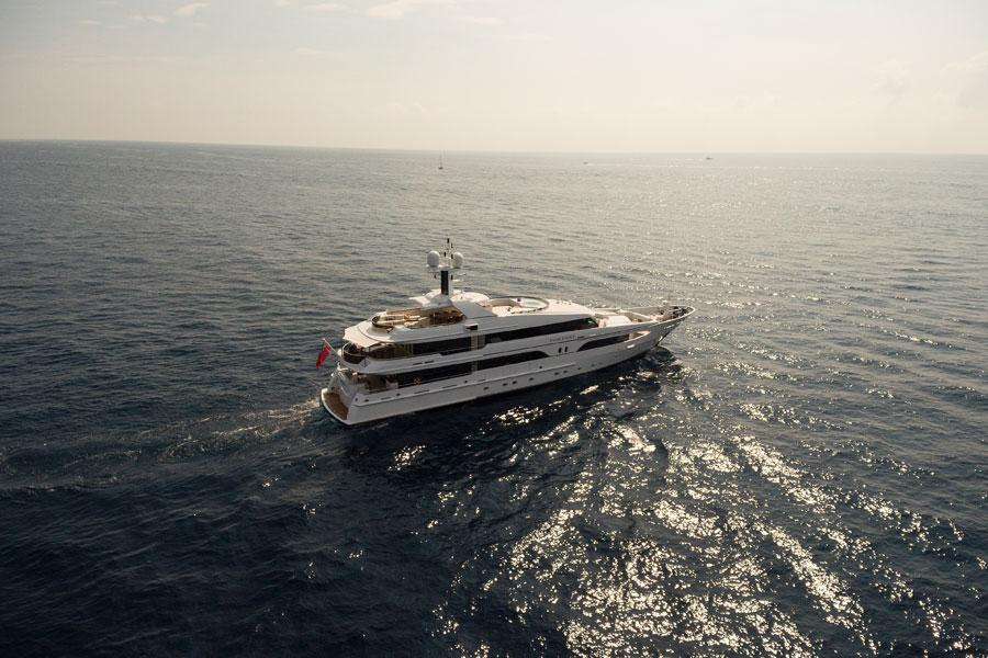 Two of our favourite yachts head over to the Caribbean for some winter sun.
