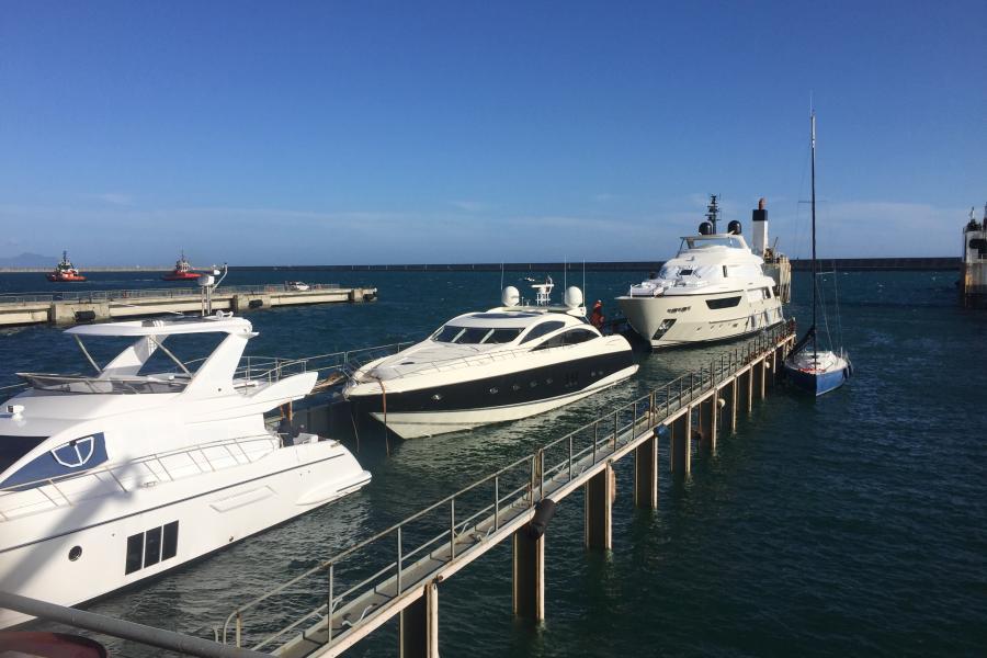SYM-sunseeker-yacht-delivery-predator-82