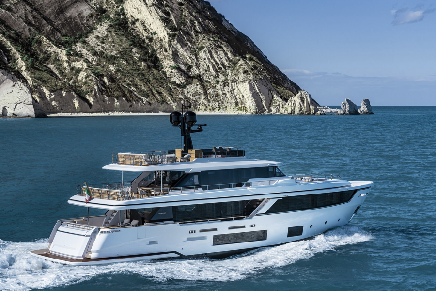 Custom-Line-Navetta-30m-new-build-SYM-Superyacht-Management-2