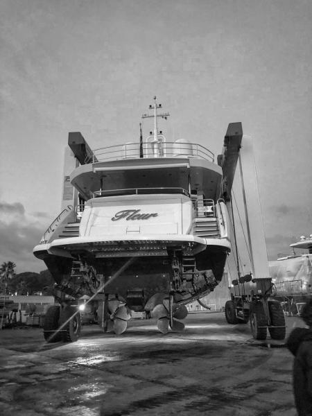 Fleur-Sunseeker-116-SYM-Superyacht-Management-5-year-class-survey-1