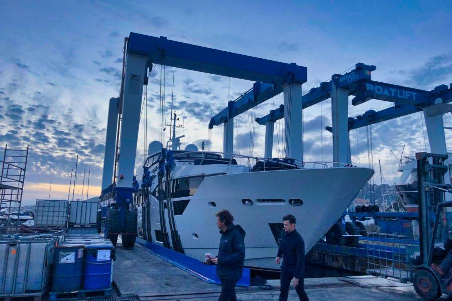 Fleur-Sunseeker-116-SYM-Superyacht-Management-5-year-class-survey-4
