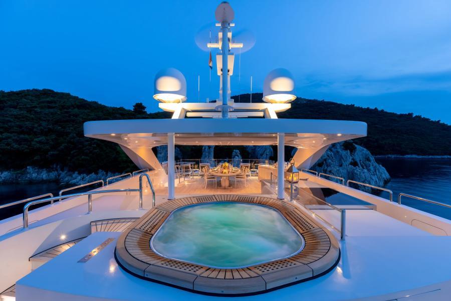 Jaccuzzi - LAMMOUCHE PHOTOSHOOT - SYM Superyacht Management, Port Camille Rayon, Golfe Juan