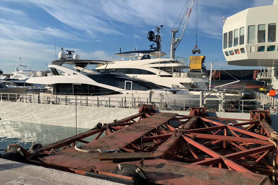 my-spontaneous-sunseeker-28m-sym-superyacht-management-Golfe-Juan