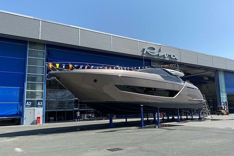 https://www.superyachttimes.com/yachts/riva-folgore-88-06